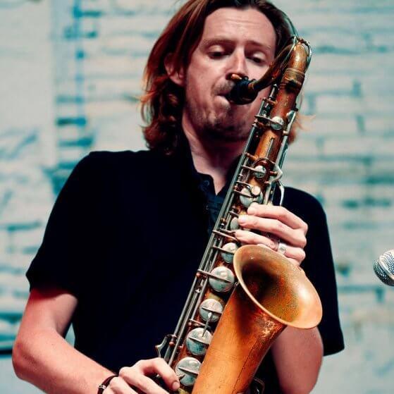 musica_para_eventos_simon taylor sax